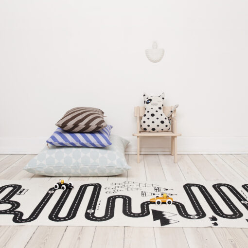 OYOY Adventure rug in kids room
