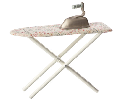 Maileg ironing board with iron